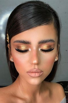 30 Spellbinding Bridesmaid Makeup For Every Woman ❤ bridesmaid makeup gold bronze eyeshadows nude matte lips bar_ohayon Wedding Makeup Artist, Hair And Makeup Artist, Wedding Hair And Makeup, Bridal Makeup, Maquillage Goth, Maquillage On Fleek, Beauty Make-up, Beauty Hacks, Hair Beauty