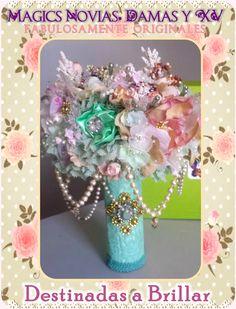 Ramo de Novia o Quinceañera, Hecho a mano, en Mexicali,B.C. By Mony Queen. En Magics Novias y Quinceañeras Tienda #ramo #bouquet #novia #bride #quinceañera #xv #hechoamano #handmade #mexicali #mexico #vintage #rustic #magic #original #lace #encaje #fabric #floral #magics #fairytale #wedding #boda #bridal #nupcial #glam #menta #mint