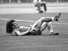 "Horrific Injury #6. The German midfielder Ewald Lienen suffered an injury in 1981 which proves that it's not just broken bones that can be horrific.    A sliding tackle from a Werder Bremen defender slices open Lienen's thigh, to reveal the tissue and bone of the player's leg.    So incensed was Lienen that he hobbled over to the Bremen bench and shouted ""Happy now?"""