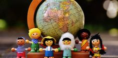 The Guide to Making International Friends International Friends, International Society, English Spelling, British National, Christian Friends, Learning Apps, Classroom Language, Make New Friends, Somali