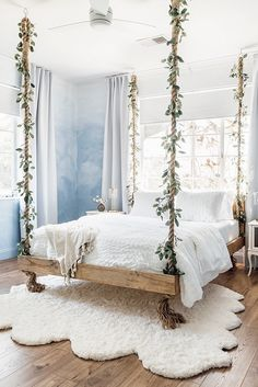 DIY Bedroom Decor Ideas with Fake Eucalyptus Hanging Bed Cloud Bedroom, Room Ideas Bedroom, Room Inspiration Bedroom, Pretty Bedroom, Girl Bedroom Designs, Hanging Bed, Room Decor, Room Decor Bedroom, Cozy Room Decor
