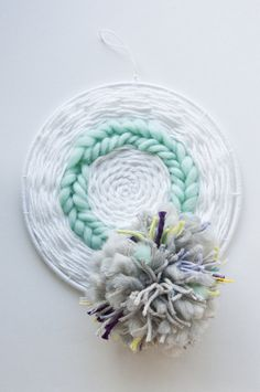 Wreath Weave | The Weaving Loom