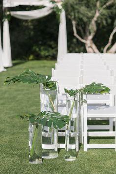 Wedding planner: http://Cojevents.com | Photography: http://mibelleinc.com/ | Venue: http://www.parkerpalmsprings.com | Read More: https://www.stylemepretty.com/2017/06/06/parker-palm-springs-retro-wedding/