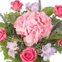 Titania flower delivery gift service UK #hydrangea #summerflowers #flowers #white #pink #flowerdelivery #serenataflowers