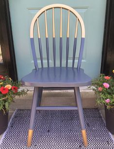 FOR THE PORCH CHAIRS Gilded gold painted navy blue chair. A little bit gold dipped style need color blocking. Love the arched spindle back style of this chair. For mismatched dining table, desk chair or side chair in guest room or office? Upcycled Furniture, Furniture Projects, Furniture Makeover, Diy Furniture, Furniture Design, Bedroom Furniture, Wooden Chair Makeover, Dining Chair Makeover, Furniture Refinishing
