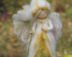 Aguja fieltro waldorf muñeca inspirada su tiempo por Made4uByMagic
