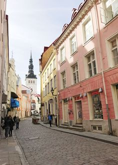 candy colored pastel streets of Tallinn, Estonia | visual travel diary on coco kelley