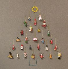 Easy decoration for office cubicle workspace. Mini ornaments pinned to the wall with straight pins. Christmas And New Year, Christmas Holidays, Christmas Crafts, Christmas Ornaments, Christmas Cube Decorations, Office Cubicle, Office Workspace, Cubical Ideas, Cubicle Decorations
