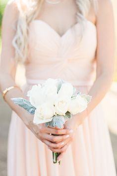 Simple bridesmaid bouquet @weddingchicks
