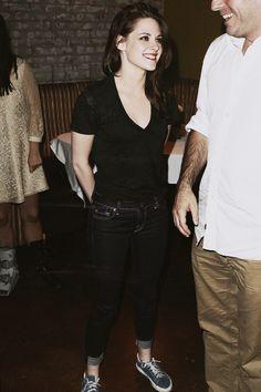 "favorite pics of Kristen Stewart ↳ ""A Better Life"" After Party Celebrity Look, Celebrity Crush, Celeb Style, Lgbt, Kristen Stewart Twilight, Feminine Tomboy, Celebs, Celebrities, American Actress"