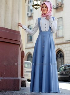 Mix and match in style with our collection of stylish Muslim skirts including maxi skirts, pleated skirts, long pencil skirts and more at Modanisa. Stylish Dresses For Girls, Modest Dresses, Modest Outfits, Indian Fashion Dresses, Abaya Fashion, Fashion Outfits, Islamic Fashion, Muslim Fashion, Demin Dress