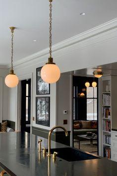 Adolf Loos designed and used this simple but very elegant pendant for the magnificent villa of Frantisek Mueller in Prag … Art Of Living, Ceiling Lights, The Originals, Elegant, House Styles, Simple, Austria, Modern, Villa