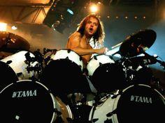 i want these drums soooooo bad..... lars is the man