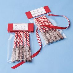 Pretty Peppermint Sticks are so sweet and simple to create... and make great little Christmas gifts! #holidays #candycanes