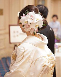 * ******************************** kimono x beautiful flowers🌸 ******************************** * head flowers: * *… Graduation Hairstyles, Wedding Hairstyles, Japanese Beauty Hacks, Wedding Kimono, Wedding Dresses, Spanish Hairstyles, Cherry Blossom Wedding, Hairdo Wedding, Hair Arrange