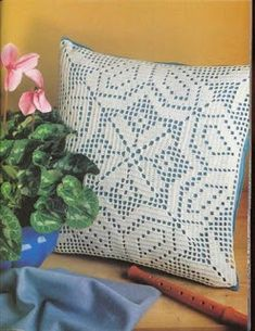 """Photo from album """"Рукоделие журналы"""" on Yandex. Filet Crochet, Crochet Lace Edging, Crochet Squares, Crochet Doilies, Crochet Designs, Crochet Patterns, Green Cushion Covers, Crochet Cushions, Lace Flowers"""