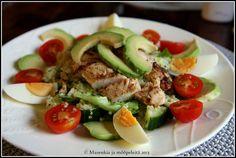 Marenkia ja mööpeleitä: Sitruunainen kana-avokado-kvinoa-salaatti