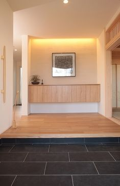 I like soft color/atmosphere. Entrance Design, House Entrance, Entrance Hall, Japanese Home Design, Japanese House, Muji Home, Muji Style, Natural Interior, Small House Design