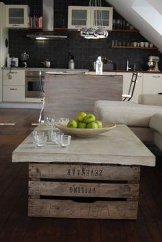 Betongbord med äppellådor