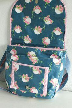 elbmarie: saddlebag pattern LALE for oilcloth or fabric or leather klassische sadddlebag zum Nähen in Wachstuch, Leder oder Stoff