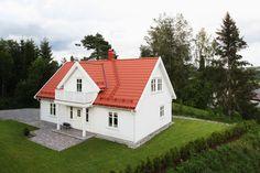 En bolig det er lett å like Home Fashion, Zara, Cabin, House Styles, Home Decor, Decoration Home, Room Decor, Cabins, Cottage