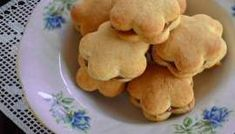 Biscoito Amanteigado Rápido Dog Food Recipes, Cookie Recipes, Snack Recipes, Whoopie Pies, Scones, Crackers, Biscuits, Pancakes, Bakery