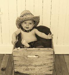baby photo shoot cowboy