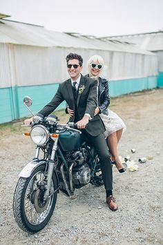 prom dress + leather jacket + greaser hair prom dress + leather jacket + greaser h Wedding Exits, Wedding Shoot, Wedding Couples, Wedding Cars, Elvis Y Priscilla, Nontraditional Wedding, Wedding Rustic, Greaser Hair, 50s Prom Dresses
