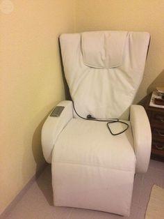 . Se vende sill�n uniplaza de masajes de color blanco. Tiene 3 modos de masaje y es reclinable. Pr�cticamente nuevo y en perfecto estado.