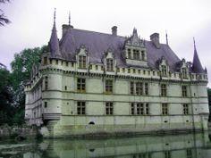 Zamek będący arcydziełem renesansu.