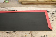 How to make an outdoor chalk board.  I will definitely be doing this for the kids this summer!