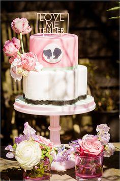 love me tender wedding cake @weddingchicks