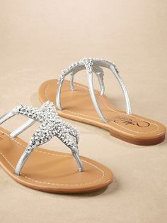 beaded thong starfish flops... @Marilyn Pintarelli would LOVE these!