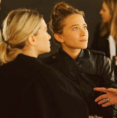 Olsen Daily — Mary-Kate and Ashley Olsen news and pictures! Mary Kate Ashley, Pretty People, Beautiful People, Olsen Twins Style, Michelle Tanner, Olsen Sister, Fashion Gone Rouge, Child Actresses, Ashley Olsen