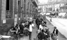 Cafés of Cairo: A walk through time - Photo Heritage - Folk Egypt Flag, Tahrir Square, Old Egypt, Photography Tours, Egypt Travel, Old Street, Time Photo, Old City, Cairo