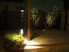 家族で楽しむ憩いの場。ライトアップされた樹木が心和ます空間を演出。 #lightingmeister #pinterest #gardenlighting #outdoorlighting #exterior #garden #light #house #home #family #calm #healing #relax #rest #enjoy #家族 #ファミリー #和む #なごむ #癒し #楽しむ #憩い #家 #庭 #ガーデン Instagram https://instagram.com/lightingmeister/ Facebook https://www.facebook.com/LightingMeister