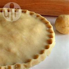 Basic buttery pie crust - so, so good. My go-to pie crust recipe. Easy Pie Crust, Homemade Pie Crusts, Pie Crust Recipes, Quiches, Dessert Recipes, Desserts, Food Processor Recipes, Food And Drink, Cooking Recipes