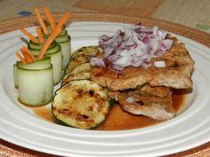 Zvířátkový den - grilovaný vepřový plátek s grilovanou cuketou nebo jinou zeleninou
