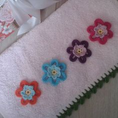 Fotoğraf açıklaması yok. Crochet Towel, Crochet Doilies, Knit Crochet, Decor Inspiration, Hobby Photography, Diy And Crafts, Burlap, Projects To Try, Knitting