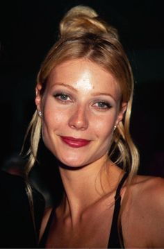 Romantic, face-framing hair on Gwyneth Paltrow in the '90s