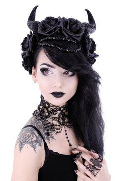 Restyle-Evil-Queen-Haarreifen-Gothic-Rosen-Hoerner-Maleficent-Horns-Witchy-Runen