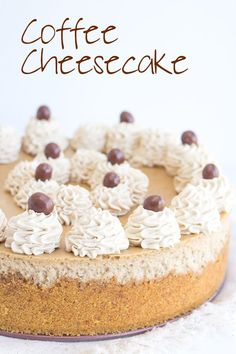 Coffee Cheesecake - This coffee cheesecake is packed full of coffee flavor. It's rich in flavor and incredibly creamy. To finish the coffee cheesecake, I added coffee whipped cream and chocolate covered espresso beans. The best baked cheesecake recipe for Best Baked Cheesecake Recipe, Cheesecake Au Café, Coffee Cheesecake, Chocolate Cheesecake, Cheesecake Recipes, Espresso Cheesecake Recipe, Köstliche Desserts, Dessert Recipes, Plated Desserts