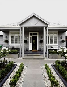 Ideas For Exterior House Curb Appeal Planters Exterior Paint Colors For House, Paint Colors For Home, Weatherboard Exterior, Architecture Renovation, Facade Architecture, Hamptons Style Homes, House Color Schemes, Colour Schemes, Grey Houses