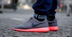 WOMFT?! - Nike Roshe Run