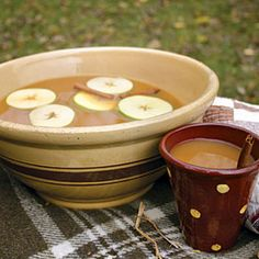 Hot Mulled Cider Recipe Beverages with apple cider, orange, brown sugar, pumpkin pie spice, cinnamon sticks, clove