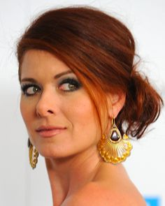 Dare to Go Red: Photos of Gorgeous Red Hair Color: Gorgeous Redheads: Debra Messing Hairstyles Haircuts, Pretty Hairstyles, Wedding Hairstyles, Holiday Hairstyles, Color Your Hair, Red Hair Color, Eye Color, Messy Chignon, Messy Buns
