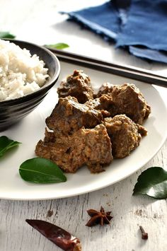 Beef Rendang -- Made from scratch, authentic Malaysian curry recipe that is off-the-charts better than using store bought paste. Malaysian Curry, Malaysian Cuisine, Malaysian Food, Malaysian Recipes, Curry Recipes, Beef Recipes, Cooking Recipes, Thai Cooking, Cheap Recipes