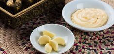 Are you ready to taste the intensity of this homemade garlic spread? The answer is yes! You'll love this traditional Lebanese condiment. Garlic Spread, Garlic Sauce, Vegan Recipes, Homemade, Traditional, Home Made, Vegane Rezepte, Garlic Dip, Hand Made