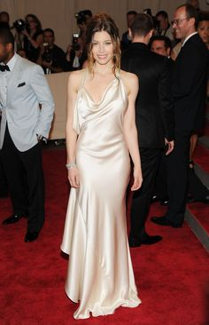 Pin for Later: Welcome to the Hall of Fame: 10 Met Gala Vets and Their Best Looks Jessica Biel Jessica Biel was a vision in a silky draped Ralph Lauren creation at the 2010 Met Gala.