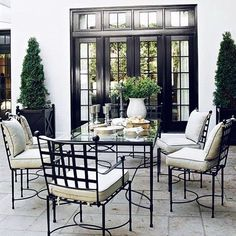 It's only Monday and I'm already looking forward to a warm long weekend #alfresco #exteriors #dining #summer #spring #design #classic #living #styling #love #style #andlovingit #potd #instagood #instamood #interiors #inspiration #inspo #thelivingdetails